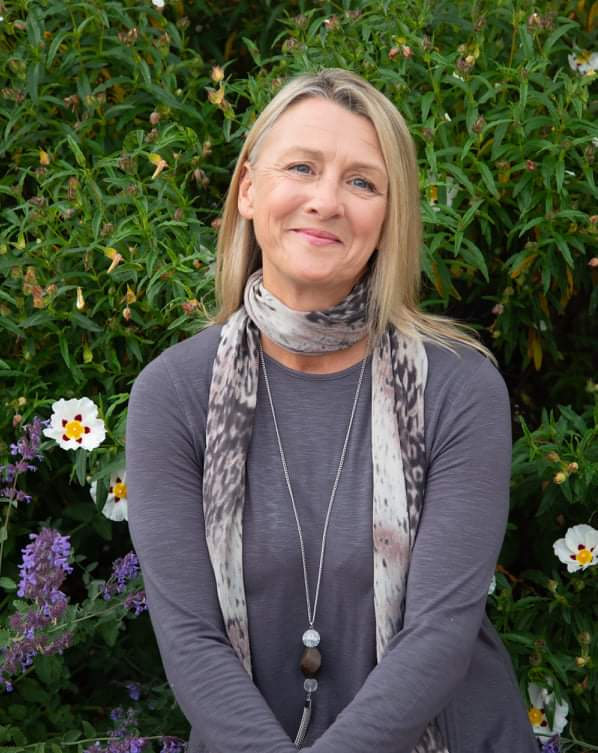 Anne Headshot
